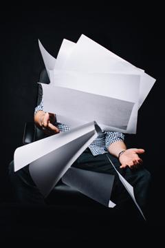 Sans papier, un bureau à la recherche de son identité
